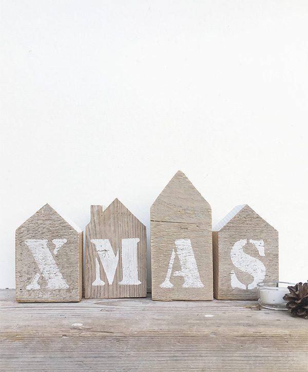 Casette natalizie in legno di recupero con scritta Xmas