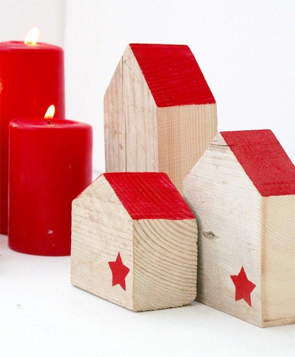 Casette natalizie in legno di recupero per decorare la casa di Natale
