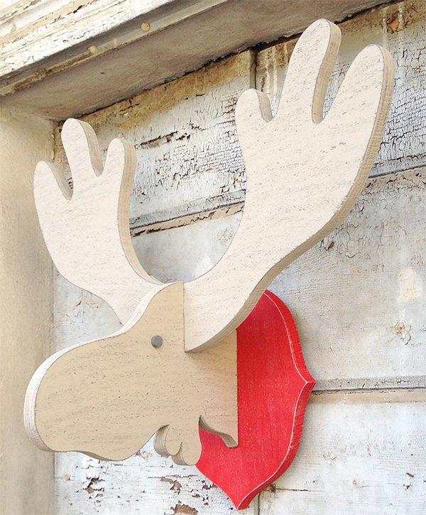 Testa di alce in legno da appendere per decorare una parete