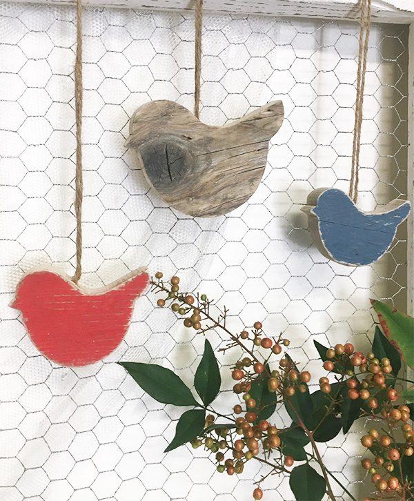 decorazione da appendere in legno di recupero naturale e colorato a scelta