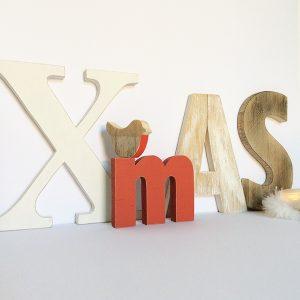 Scritta Xmas per Natale in legno di recupero naturale e colorato a scelta