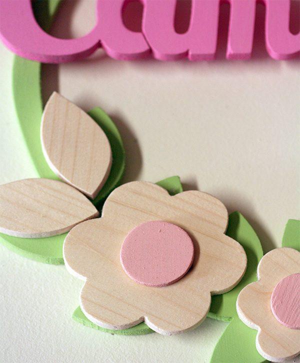 Fiori in legno per ghirlanda personalizzabile da bambina