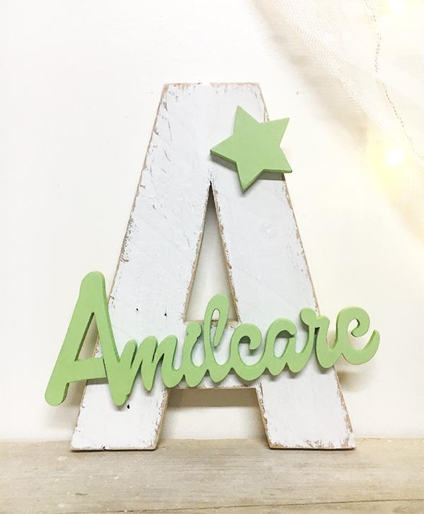 Iniziale in legno con nome bambino e decorazione personalizzabile