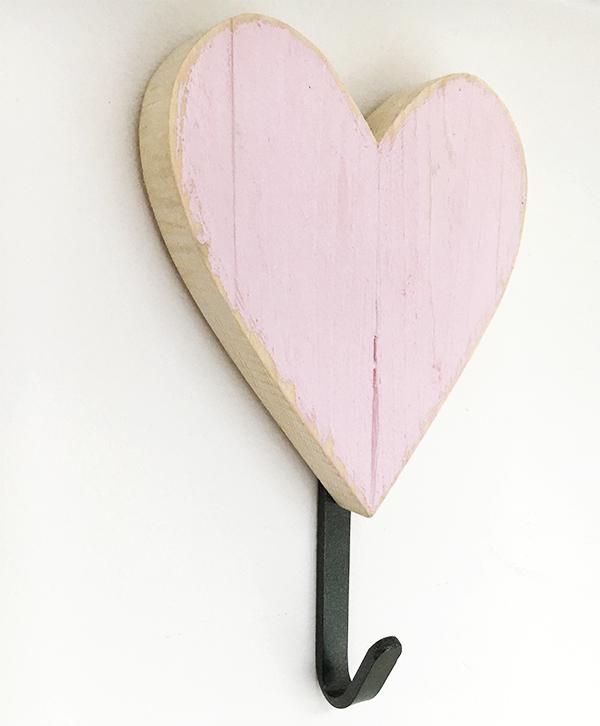 Appendiabiti per bambini con iniziale in legno e gancio in ferro per un regalo personalizzato